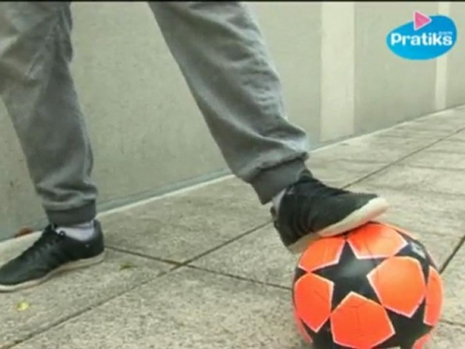 Foot Freestyle - Les dribbles par Gautivity double champion du monde de foot freestyle 2011/12