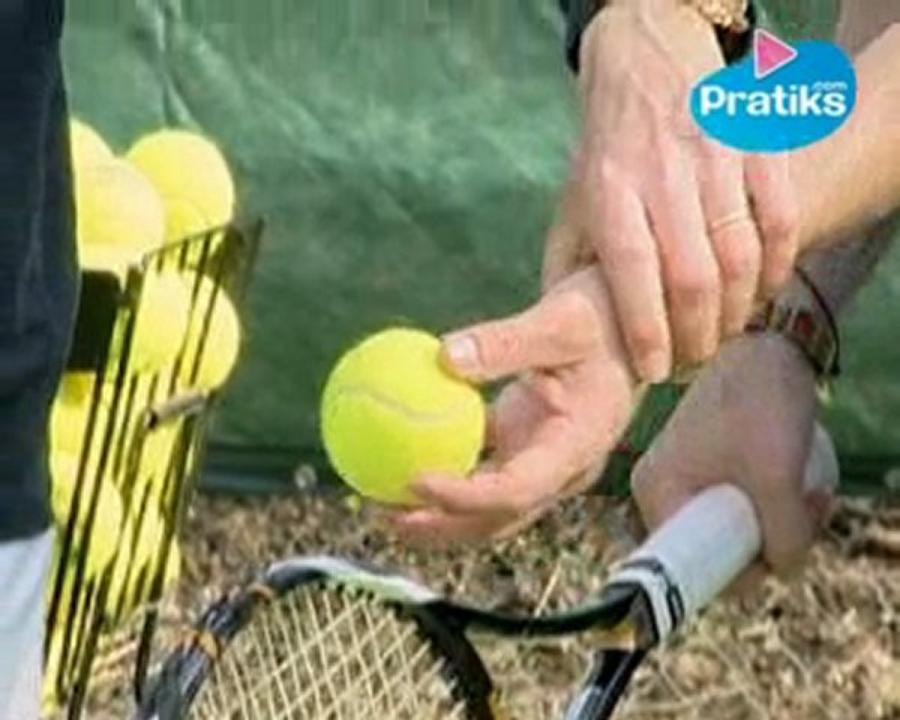 Tennis - Comment faire un service