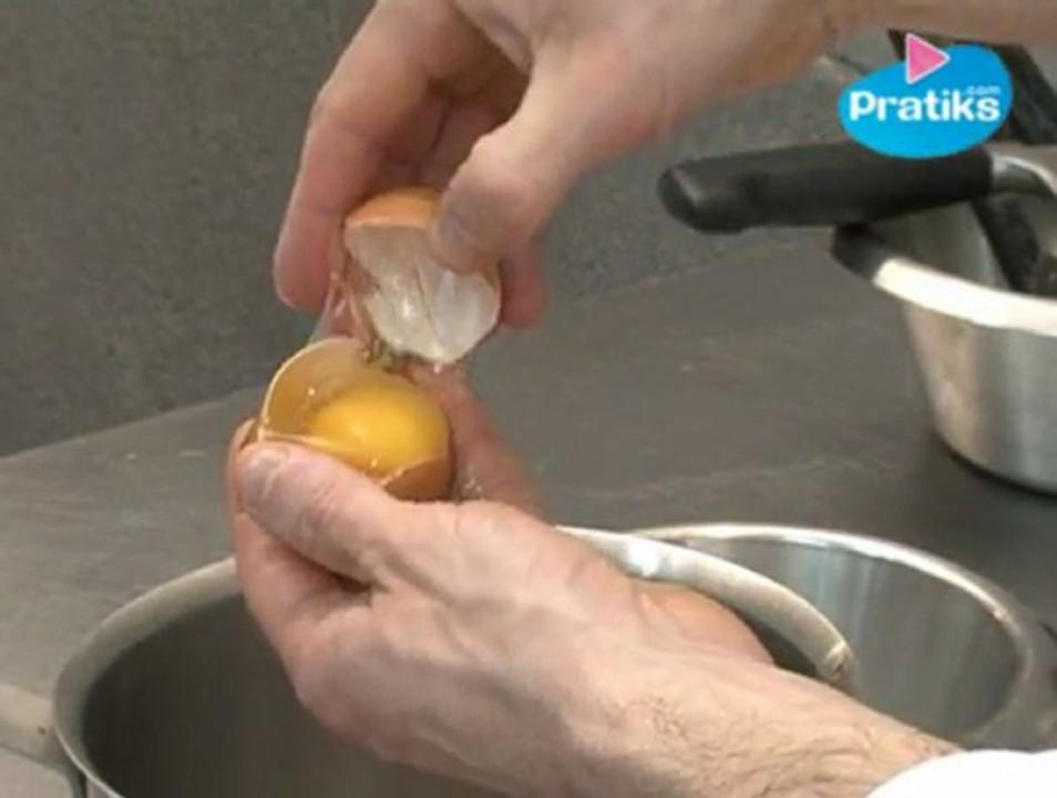 How to separate the egg yolk from the egg white?